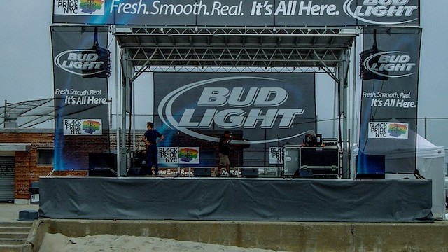 Bud Light Fresh Smooth Real Mobile Stage